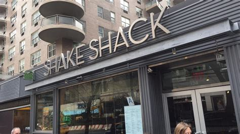 general contractor st louis shake shack picks local firm as general contractor for