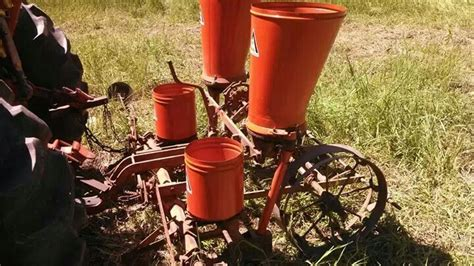 Allis Chalmers Corn Planter Parts by Allis Chalmers 2 Row Corn Planter On The Farm