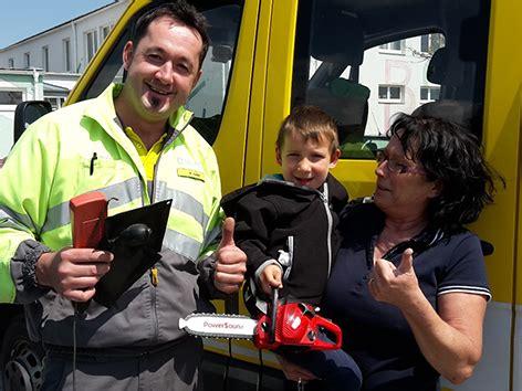 Kindersitz Auto Hofer by Pannenfahrer Befreit Kind Aus Auto Burgenland Orf At