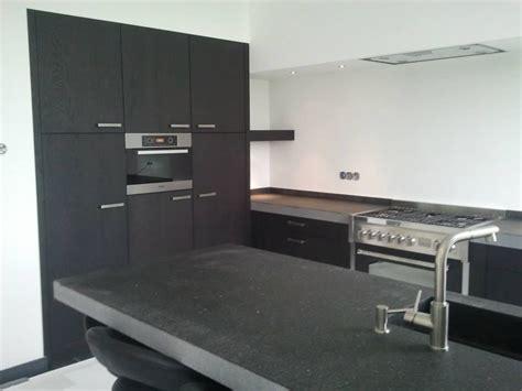 arre keukens keukenbladen zwart graniet opgedikt in verstek met