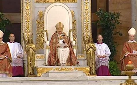 pope throne jpg 558 215 348 religion religious and