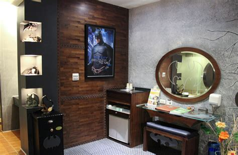 Batman Themed Hotel Room by Batman Themed Hotel Room Is For A