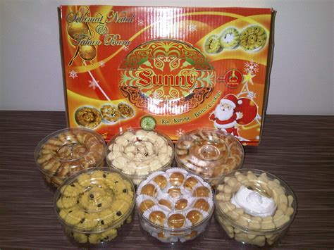 Paket Parcel Kue Kering Lebaran Isi 6 430 kue natal dan tahun baru 2012 kue kering lebaran grosir kue kering pabrik kue kering