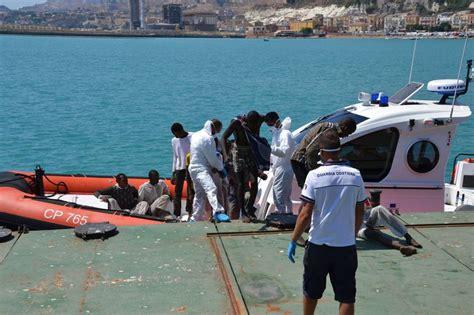 ultime notizie porto empedocle l arrivo dei migranti a porto empedocle e salerno