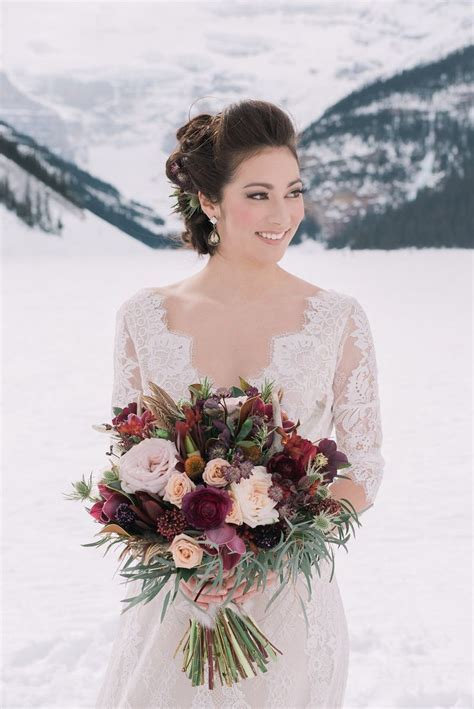 25  best ideas about Winter wedding flowers on Pinterest