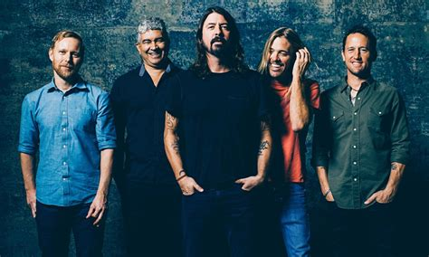 foo fighters fan foo fighters fan vengono respinti all ingresso di un