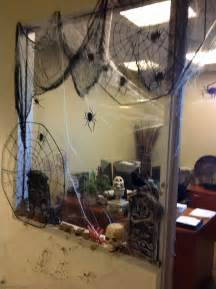Office Decorations For Halloween Office Window Halloween Decorating Halloween Pinterest