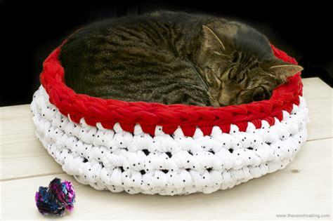 crochet cat bed tutorial super bulky crocheted cat bed red handled scissors