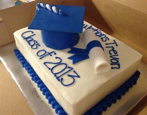 Mba Graduation Cake by Cake With Blue Graduation Cap