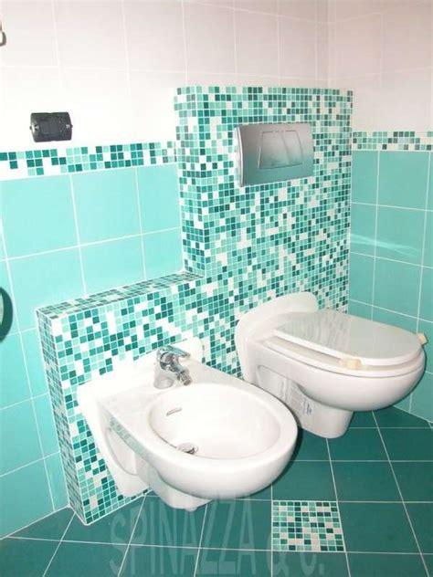 pavimento mosaico bagno piastrelle mosaico in bagno foto design mag