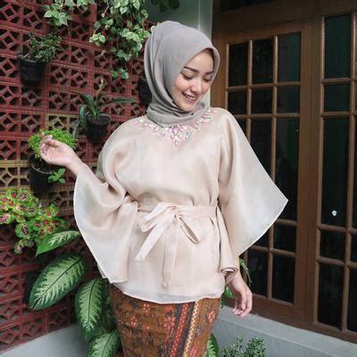 Kain Bahan Tulle Bordir Mortal 5 model kebaya muslimah organza yang banyak dipakai selebgram untuk kondangan muslim beautynesia