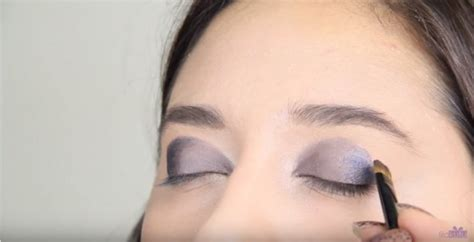 Eyeshadow Biru Tua tutorial smokey untuk pemula kawaii japan