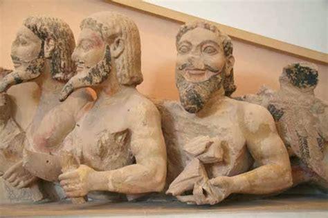 mitologia persiana la arte il quot problema quot decorativo frontone