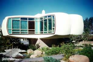 house of the future at yesterland