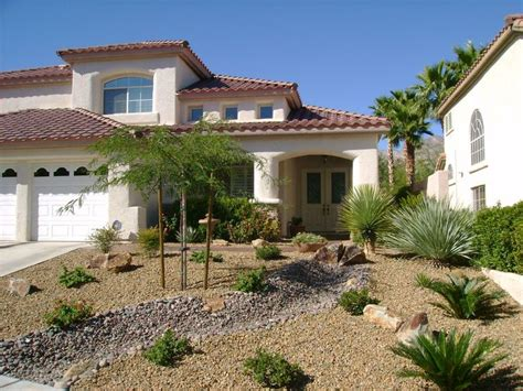 25 best ideas about desert landscaping backyard on