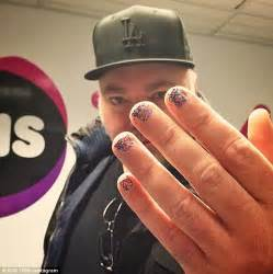 men who paint their fingernails kyle sandilands recruits male celebs to wear nail polish