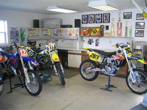 Dirt Bike Garage by Post A Pic Of Your Garage Setup Page 16 Dirt Bike
