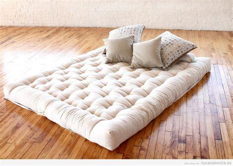 futon enrollable camas estilo japon 233 s con fut 243 n para el dormitorio de