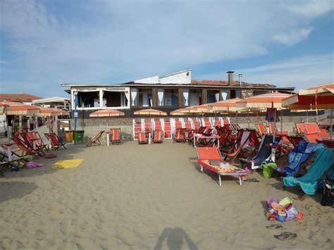 bagno tritone marina di pisa il ristorante bagno tritone visto dalla spiaggia