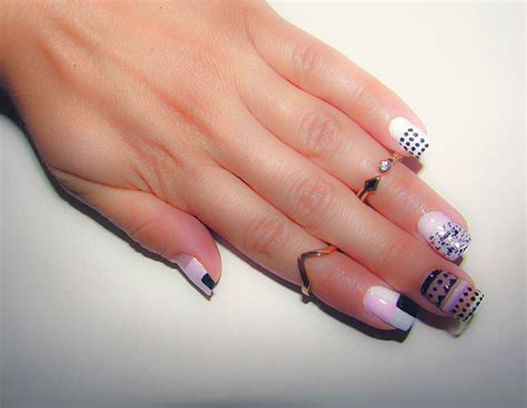 Negative Space Nail 11 lovely negative space nail designs with a modern