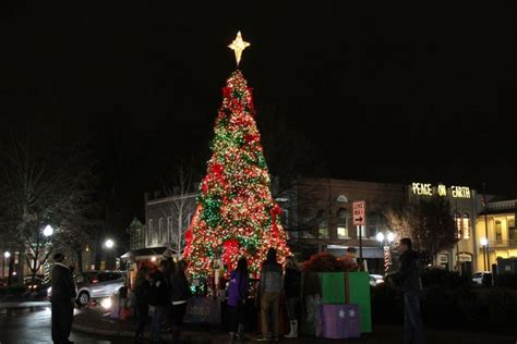 tree lighting ceremony in clarksville tn franklin tree lighting ceremony set to illuminate on dec 3 franklin tn downtown events