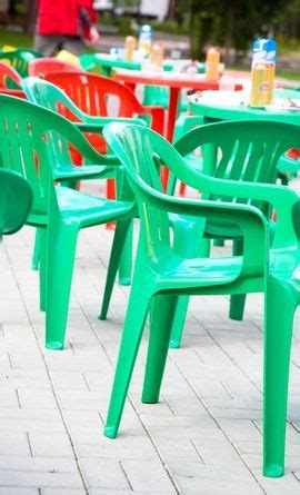 Cleaning Plastic Garden Furniture by How To Clean White Plastic Outdoor Furniture