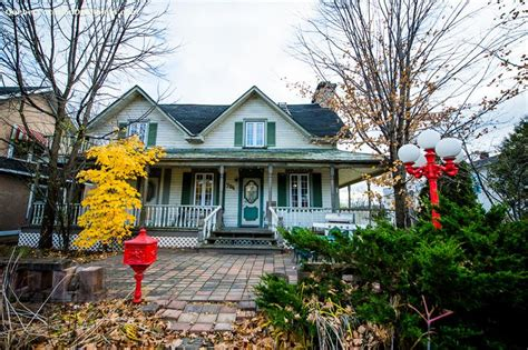 Cottages For Sale Outaouais Area by Cottage Rentals In Montebello Vacation Rentals Montebello
