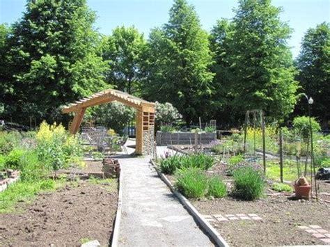worcester community garden community gardens