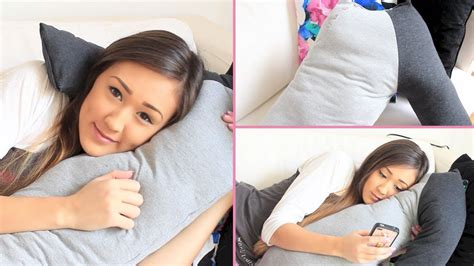 how to cuddle with your boyfriend on the couch diy boyfriend cuddle pillow laurdiy youtube