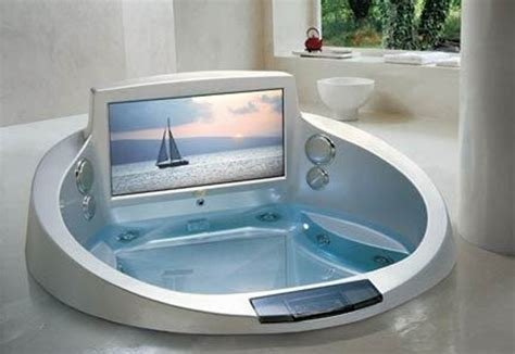 bathtubs jacuzzi 5 cool bathtubs with built in tvs digsdigs