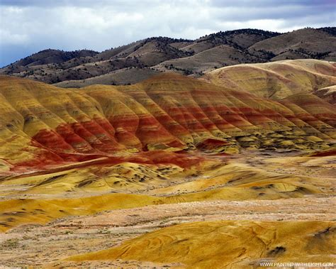 john day fossil beds mind blowing kaleidoscope of colors at painted hills 50