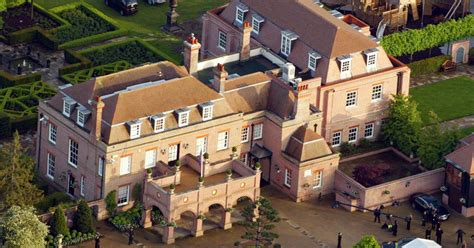 houses roads curiosities david sandi travelogue david and sell beckingham palace see how their