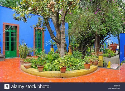 casa azul frida frida kahlo museum also casa azul historic colonial