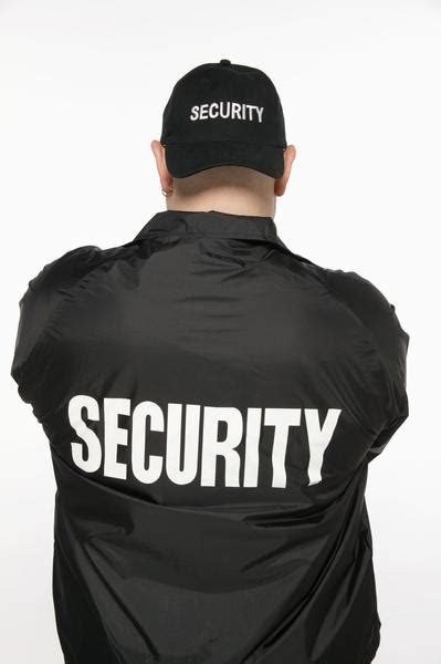 how to your to become a guard tips to become security guard universal academy