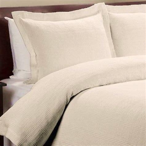 cream coverlet greek key cotton matelasse cream coverlet set king