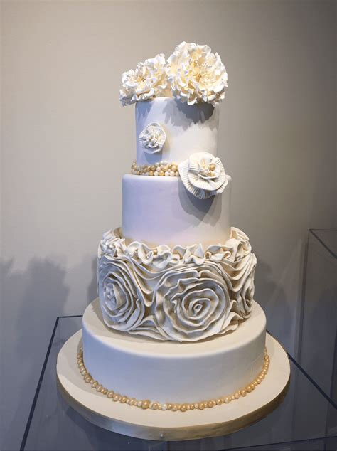 Austin Wedding Cakes   Simon Lee Bakery   Serving Austin