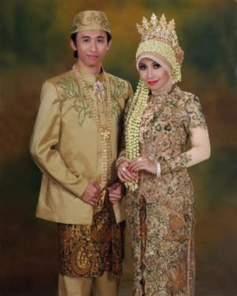 Foto Baju Kebaya Berjilbab model kebaya pengantin kebaya pengantin holidays oo