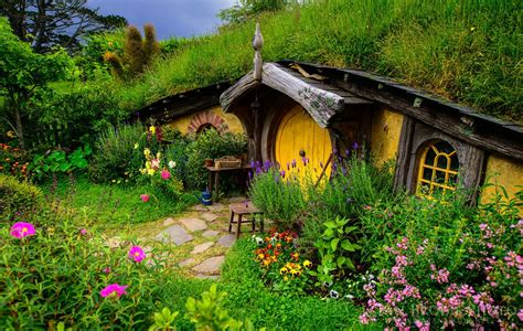 hobbit houses new zealand the hobbiton movie set new zealand world for travel