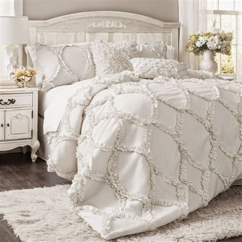 master bedroom comforters 25 best ideas about white bedding on pinterest fluffy