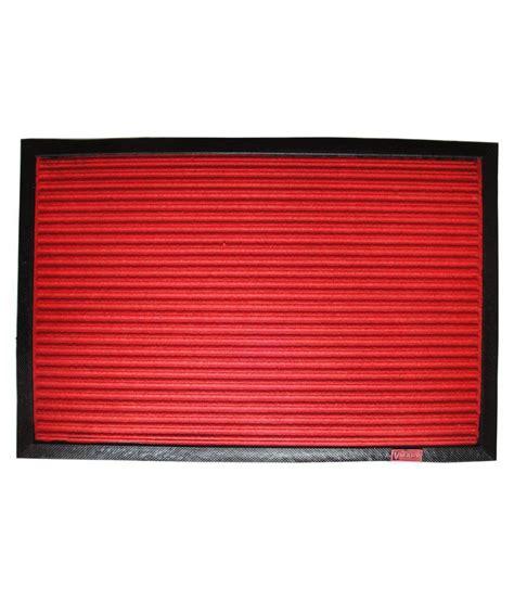 majesty home decor red geometrical floor mat buy majesty majesty home decor fine touch velvet red door mat buy