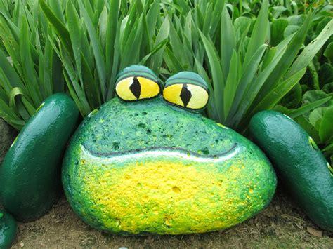 decoração de jardim pedras pintadas cores arte sapo do jardim pedras pintadas