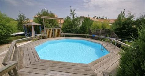 si鑒e de balan輟ire installez une piscine en bois enterr 233 e dans votre jardin