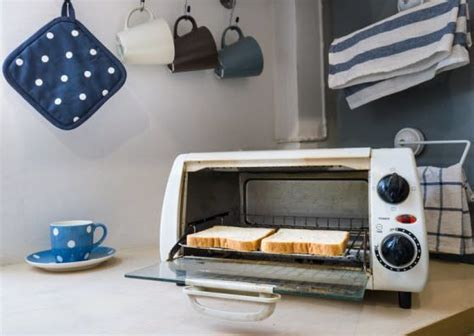 How To Clean Toaster Oven How To Clean A Toaster Oven