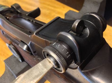 setting the elevation knob on a m1 garand garand thumb