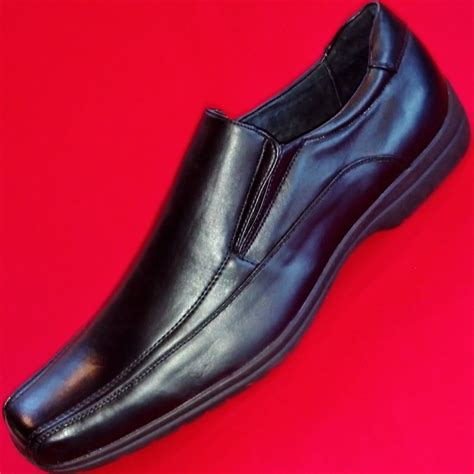 apt 9 loafers new s apt 9 hshire black leather loafers slip on