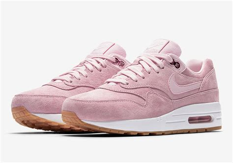 nike airmax tosca list pink nike air max 1 pink suede 919484 600 sneakernews