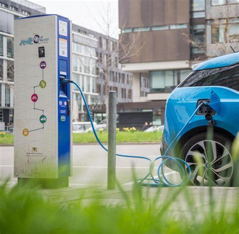 Auto Tanken by Elektromobilit 228 T Batterie Oder Wasserstoff Zwei Wege