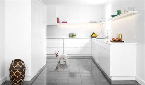 Corian Bathroom Floors White Corian Kitchen With Marble Floors Interior Design