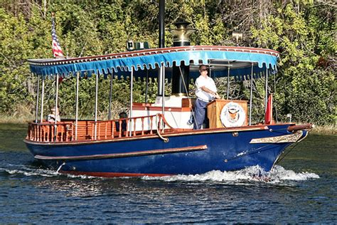 wilderness lodge boat boat from wilderness lodge to the magic kingdom explore