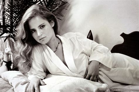 jennifer jason leigh young movies looks like lengies according to an imdb website message